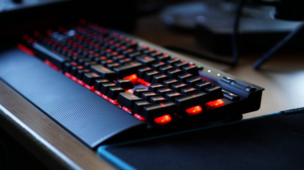 Corsair K70 LUX RGB im Test - Verarbeitung & Tastaturlayout